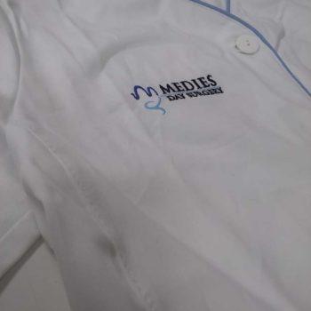 camice da dottore personalizzato con ricamo